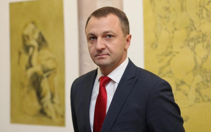 Сфера обслуживания полностью переходит на украинский язык