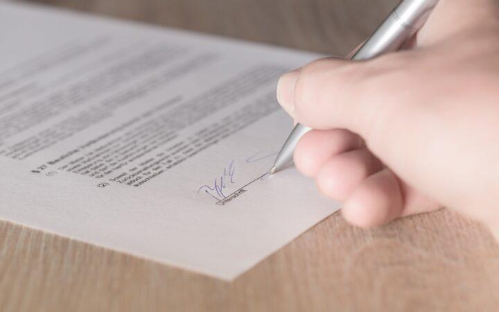 Завещание: кто имеет право заверить документ?