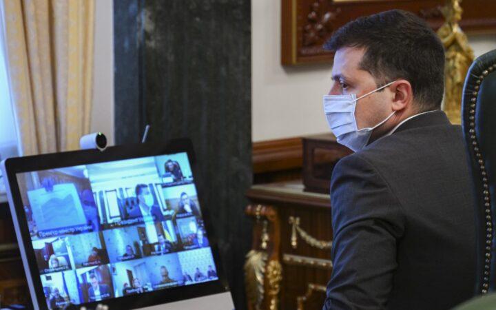 Владимир Зеленский восстановил выплату больничных